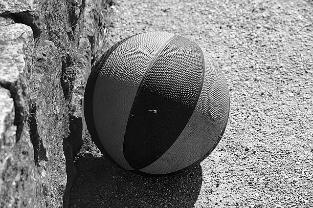 ball-1270395_640
